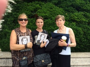 Posing after getting their books signed by Hilary Clinton at the Free Library of Philadelphia are, from left: Rabbi Lynnda Targan, BJ Stouss, Nancy Ezold